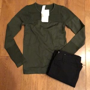 Fabletics Small NWT tags olive green top